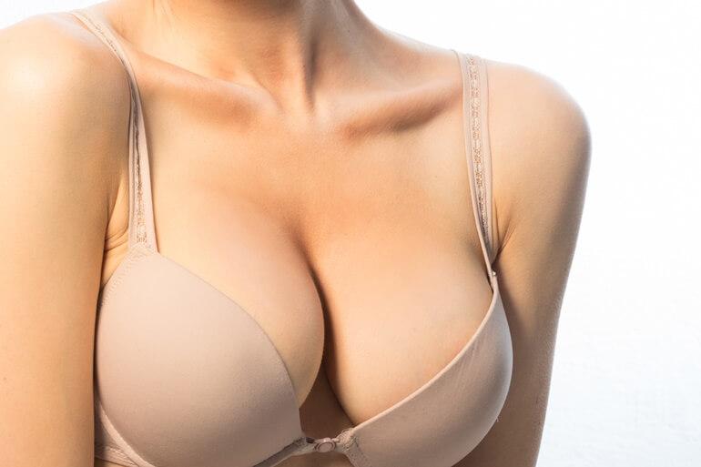 Mell ultrahang implantátum esetén